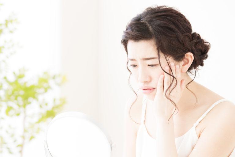 顔のたるみの原因と対策